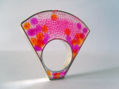 Silver Resin Ring Lúcida Cromía Fucsia by formasag on Etsy, €65.00