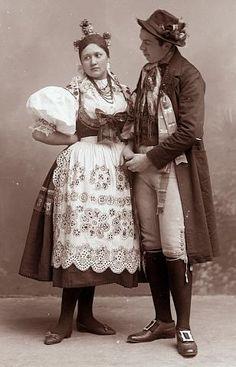 Czech Republic couple in Táborsko folk clothing. Bohemian Costume, Moon Goddess, Goddess Art, Costumes Around The World, Folk Clothing, Folk Costume, Traditional Dresses, Traditional Wedding, Czech Republic