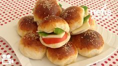 Squishy Yeasted Donut 1 cup of warm milk 1 cup of liquid liquid - Food and Drink Greek Cooking, Easy Cooking, Cooking Time, Cooking Recipes, Vegetarian Breakfast Recipes, Veggie Recipes, Sweet Recipes, Turkish Breakfast, Turkish Recipes
