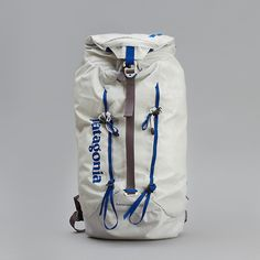 ThingsLooksGood - great simple white back pack.