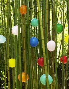 Bamboo crafts Modern Outdoor Living, Outdoor Rooms, Outdoor Decor, Bamboo Crafts, Village Houses, Raw Materials, Crafts To Make, Wind Chimes, Balloons