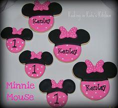 Minnie Mouse cookies...kookinginkateskitchen.blogspot.com