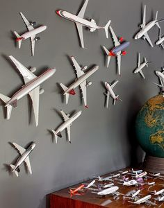 boy's room - ideas Airplane Toys, Airplane Decor, Aviation Decor, Airplane Nursery, Aviation Nursery, Airplane Wall Art, Boys Airplane Bedroom, Displaying Collections, Little Boys Rooms