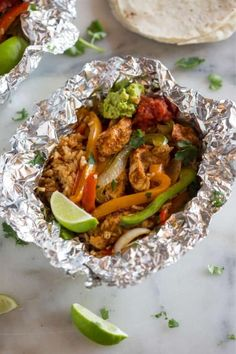 50+ best foil packet dinner recipe ideas Tin Foil Dinners, Foil Packet Dinners, Foil Pack Meals, Foil Packets, Grilling Recipes, Cooking Recipes, Drink Recipes, Grill Meals, Healthy Grilling