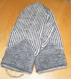 Knit Mittens, Knitted Hats, Patterned Shorts, Scarves, Socks, Knitting, Swimwear, Color, Knits