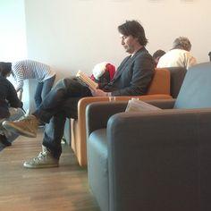 Keanu Reeves this morning in Frankfurt airport! by http://meyke6.tumblr.com/post/50796410564/keanu-reeves-this-morning-in-frankfurt-airport#notes May 19, 2013