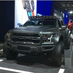 ford raptor 2017 svt - wow, I want this badass! Suv Trucks, Jeep Truck, Cool Trucks, Pickup Trucks, Lifted Trucks, Ford Raptor, Svt Raptor, Ford Motor Company, Offroader