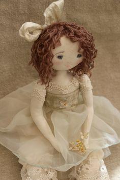 Cosette en mousseline couleur opaline...<3<3