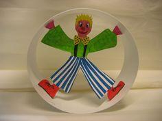 klaun akrobat (clown_acrobate_in_wheel) - Circus Activities, Craft Activities For Kids, Preschool Crafts, Projects For Kids, Diy For Kids, Craft Ideas, Clown Crafts, Carnival Crafts, Circus Theme Crafts