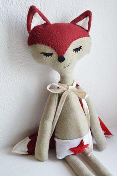Doudou / Super-héros/ Ecureuil fait à la main / Marcel/ Customisable/ en coton biologique/ 40 cm de hauteur