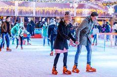 Magisch Maastricht is het allergezelligste evenement in December. Hou jij ook zo van schaatsen? Resorts, Times Square, Winter, Winter Time, Vacation Resorts, Beach Resorts, Vacation Places, Winter Fashion