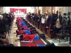 Dio crkvenih običaja u Selcima za Uskrs su i Žudije, čuvari Božjeg groba koji na Veliku Subotu navečer kod pjevanja Slave padaju ''slobodnim padom'' na pod....