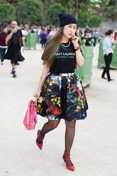 82 Chic Street Style Snaps From Paris T-shirt with Statement skirt + cool Hat? cool and cute