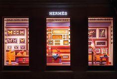 Vitrine réalisée en cuir d'une boutique Hermès en Chine.