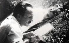 Υπήρξε ο μεγαλύτερος Έλληνας συγγραφέας της νεότερης ελληνικής ιστορίας. Ένας σύγχρονος φιλόσοφος του οποίου το έργο είναι διανθισμένο με φράσεις οι οποίες φωτίζουν το «ωραίο ταξίδι» ενός ανθρώπου στον κόσμο. Φράσεις που αξίζει να συζητήσουμε με τα παιδιά μας, όταν θα βρίσκονται στην κατάλληλη ηλικία. 1.Ν' αγαπάς την ευθύνη. Να λες εγώ, εγώ μονάχος μου […] Book Writer, Book Authors, Roman, Human Dignity, Greek Culture, Greek Quotes, Martin Scorsese, Screenwriting, Literature