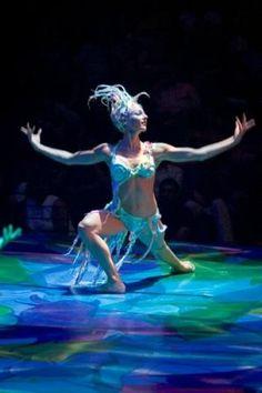 pictures of cirque du soleil mystere