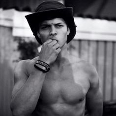 Uuuuuhhhhg so damn hot Alex.