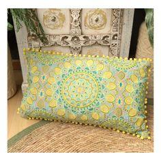 Cojín bordado alargado algodón Green Mandala 60x35 cm