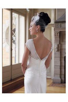 bateau-neckline-chiffon-wedding-dress.jpg (400×600)