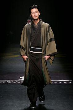 Make some Americanized kimonos Male Kimono, Yukata Kimono, Japan Fashion, Mens Fashion, Outfits Winter, Modern Kimono, Japanese Outfits, Japanese Kimono, Hanfu