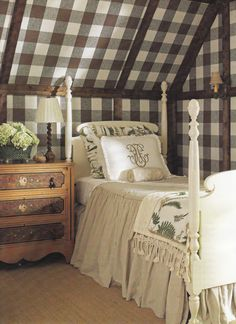 Classic Hill Interiors a welcoming guest room. Cottage Living, Cottage Style, Cozy Bedroom, Bedroom Decor, Design Bedroom, Bedroom Bed, Bed Room, Hill Interiors, Guest Bedrooms