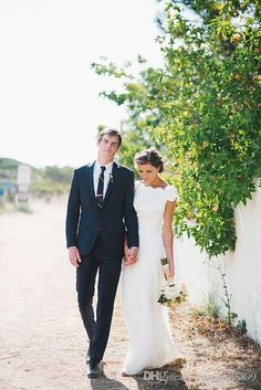 Hayley Paige Lace Modest Wedding Dress with Cap Sleeves Kallah Gown 2016 Crew Full length A-line Beach Country Wedding Party Bridal Dress