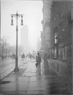 New York, Flat Iron, c.1914 Courtesy Musée d'Orsay in Paris Photo by Paul Burty Haviland (1880-1950)