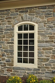 Picture of a home with Pennsylvania Heritage Stone Veneers...