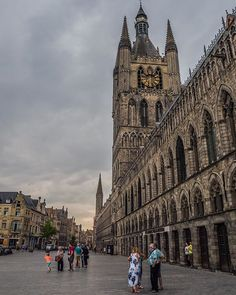 #TAKEOVER #WondersOfFlanders Good things has to come to an end, and so it happens that it's the last day of our @visitflanders takeover. But we still have something really good for you! Our seventh wonder of #Flanders is the charming town of #Ypres. ☺ Old town of this city is like a museum in the open-air, full of various #medieval expositions: from perfectly preserved churches, towers, passages and arches to courtyards of ruins. And though Ypres is a really small town, the things that it…
