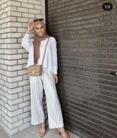 Pɪɴᴛᴇʀᴇsɪɴᴛᴇʀᴇ: ᴋᴍᴀʟᴇᴇʜᴀ Islamic clothing - Pɪɴᴛᴇʀᴇsɪɴᴛᴇʀᴇ: ᴋᴍᴀʟᴇᴇʜᴀ Islamic clothing Source by - Hijab Fashion Summer, Modern Hijab Fashion, Street Hijab Fashion, Hijab Fashion Inspiration, Muslim Fashion, Mode Inspiration, Modest Fashion, Fashion Fashion, Modest Summer Outfits