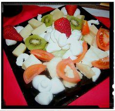 Insalata di frutta e formaggi