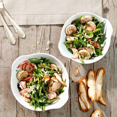 Rezept aus dem Servus Kochbuch: Weißwurstsalat mit Fisolen, Radieschen, Bärlauch Starters, Salads, Snacks, Meat, Cooking, Ethnic Recipes, Food, Wheat Berry Recipes, Chef Recipes