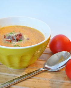 Gulerodssuppe med tomater