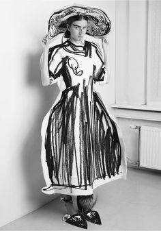 Edda Gimnes' fashions aren't just based on sketches—they are sketches. Wearable Device, Wearable Art, Fancy Dress, Dress Up, Photographie Portrait Inspiration, Textiles, Costume Design, My Style, Lady