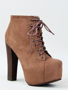 I want these for my birthday hehe ;) Pretty Shoes, Cute Shoes, Me Too Shoes, Dream Shoes, Crazy Shoes, Chunky High Heels, Louboutin Shoes, Shoes Heels, Shoe Boots