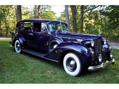 Photo Gallery - ClassicCars.com & Hemmings Motor News  1939 packard limousine