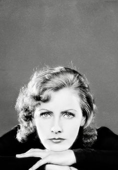 Greta Garbo. Am I the only one who sees a striking resemblance to Florence from Florence and the machine ? I love this picture of Ms Garbo here, looking pensive rather than severe/angry. You can see here why people thought her beautiful.