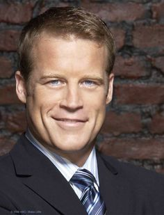 """Mark Valley. So sad that """"Human Target"""" got cancelled but love him on """"Harry's Law""""! Mark Valley, Rhona Mitra, Betty White, William Shatner"""