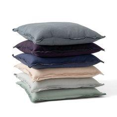 Die Raw Cushion Kissen von Menu in allen verfügbaren Farben
