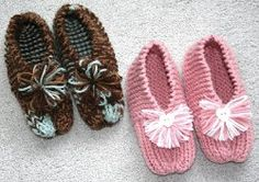 There are few things in life that feel as cozy as a pair of knit slippers. If you've never knit slippers before, Grandma's Simple Knit Slippers is a great pattern to start with. Who said easy knitting patterns had to be boring? These cute and simple Easy Knitting Patterns, Knitting Projects, Crochet Projects, Crochet Patterns, Knitting Tutorials, Craft Projects, Stitch Patterns, Cute Slippers, Knitted Slippers