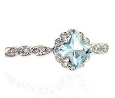 14K Asscher Aquamarine Diamond Engagement Ring por RareEarth, $1094.50