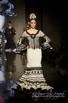 """""""Con Solera"""", desfile de Moda Flamenca de la diseñadora Macarena Beato (Faly, de la Feria al Rocío), en SIMOF 2013 - 72"""