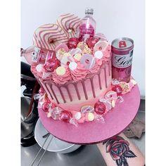 Alcohol Birthday Cake, 50th Birthday Cake For Women, 21st Birthday Cupcakes, Birthday Drip Cake, Alcohol Cake, Pretty Birthday Cakes, Adult Birthday Cakes, 20th Birthday, Liquor Cake
