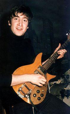 John Lennon performing with The Beatles at the Star Club, Hamburg, April-May The Beatles, Foto Beatles, Beatles Photos, John Lennon Beatles, Jhon Lennon, Beatles Guitar, Ringo Starr, George Harrison, Davy Jones