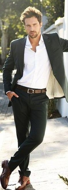 Best outfit for casual Friday - black jeans, white shirt, blazer, brown belt and shoes. JustBeStylish.com