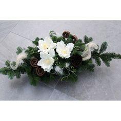. Grave Flowers, Cemetery Flowers, Funeral Flowers, Funeral Flower Arrangements, Floral Arrangements, Black Flowers, Ikebana, Flower Decorations, Floral Wreath