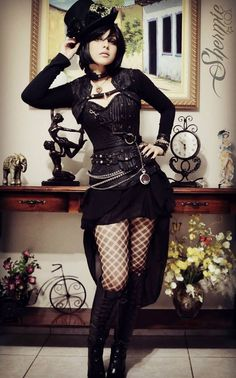 Steampunk its more than an aesthetic style, it's the longing for the past that never was. In Steampunk Girls we display professional pictures, and illustrations of Steampunk, Dieselpunk and other anachronistic 'punks. Some cosplay too! Couture Steampunk, Moda Steampunk, Style Steampunk, Steampunk Cosplay, Gothic Steampunk, Steampunk Clothing, Steampunk Outfits, Steampunk Hair, Steampunk Necklace