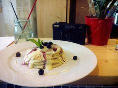 Pancake star: vanilla & blueberry