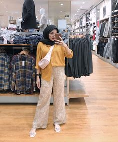Modest Fashion Hijab, Modern Hijab Fashion, Casual Hijab Outfit, Hijab Fashion Inspiration, Ootd Hijab, Muslim Fashion, Fashion Outfits, Foto Instagram, Dance Fashion