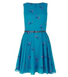 """Bring this teal bird print skater dress into an autumn wardrobe - wear with cut out ankle boots and add footless tights for the colder weather.- All over bird print- Belted waist- Loose chiffon fabric- Fit and flare design- Round neck- Mini length- Sleeveless design- Model is 5'8""""/176cm and wears UK 10/EU 38/US 6"""